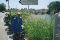 img122 23.5.04 - Auxonne - un omaggio a Pagaia Rossa
