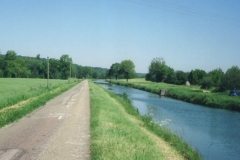 img135 24.5.04 Canal de la Marne à la Saone - se la strada fosse sempre così ... !