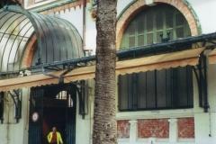 img104 9.5.2005 Mentone, il mercato. (visto in Tv qualche mese prima !)