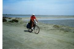 img114 11.5.2005 - percorso a sud dell'Etang de Vaccarés, sulla diga.