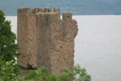 3 n (101) 24 maggio 2012 Ruderi di fortiicazioni lungo il Danubio (RO)