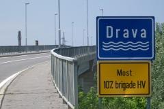 3 n (191) 30-5-2012 Ponte sulla Drava dedicato alla 107^ Brigata. Guerra 1991-95