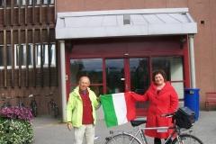 7 32 9-8-2012 La consegna della bandiera al sindaco di Kirkenes. The MAYOR.